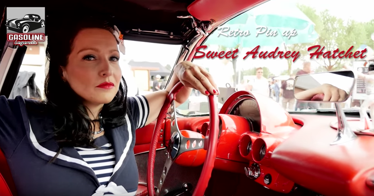 Pin Up – Sweet Audrey Hatchet